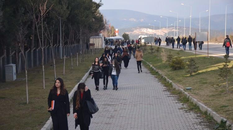 25 kuruşluk zam için 5 kilometre yürüdüler