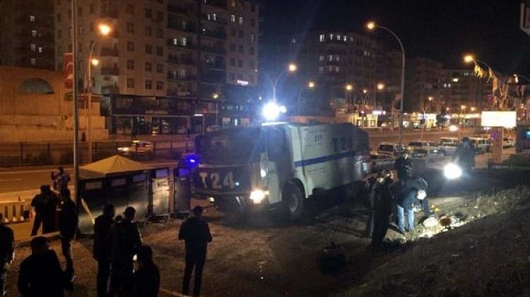 Diyarbakır'da polis noktasına EYP'li saldırı