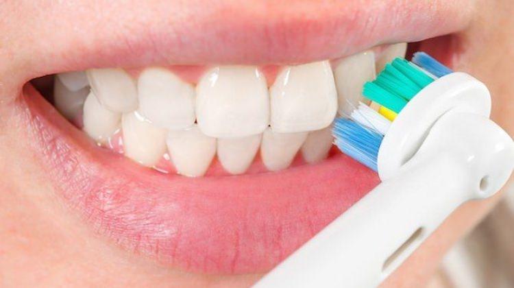 Elektrikli diş fırçaları zararlı mı?