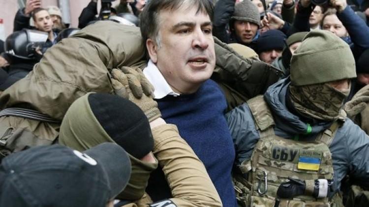 Saakaşvili, gözaltı anının görüntülerini paylaştı