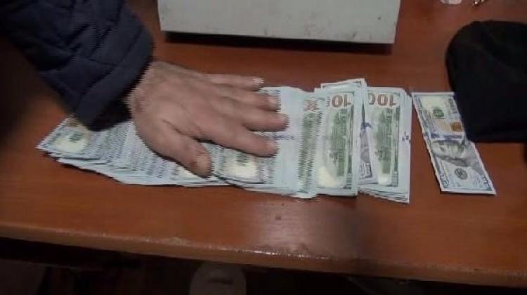 İçi para dolu çantayı sahibine teslim etti!