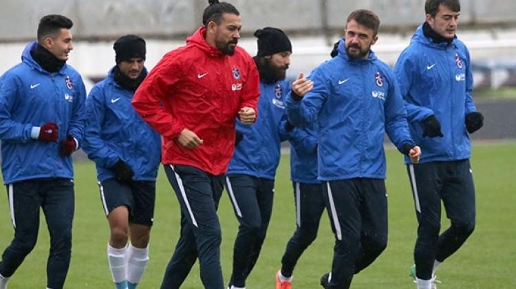 Trabzonspor 12 eksikle çalışmalara başladı