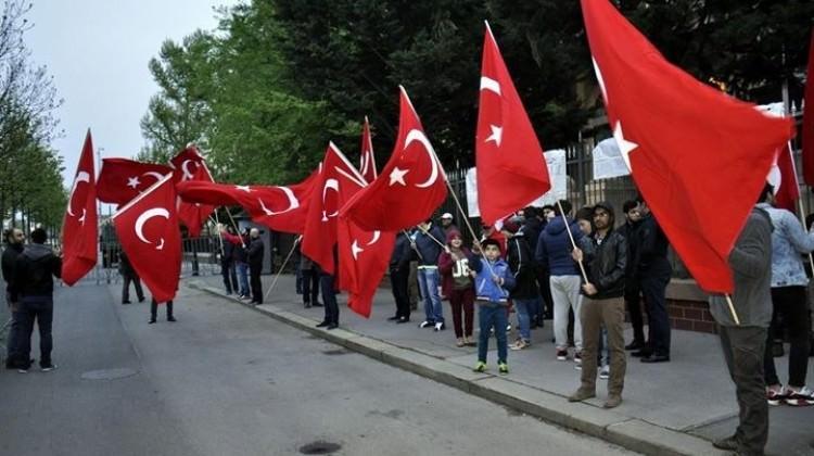 Türkler nöbet tuttu, teröristler yaklaşamadı