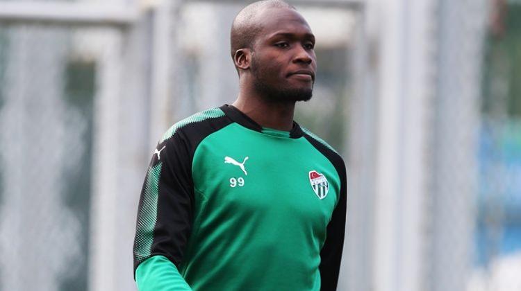 Bursaspor İstanbul'a gitti! Moussa Sow...