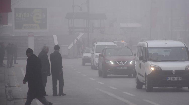 Malatya'da hava ulaşımına sis engeli