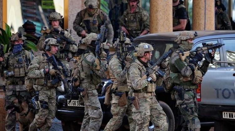 Fransa Büyükelçiliği duyurdu: Saldırı altındayız!