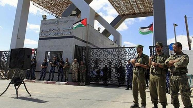 İsrail Yahudi bayramı için giriş çıkışları kapattı