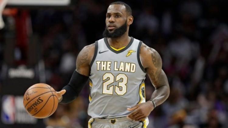 LeBron James tarihe geçti! İlk kez...