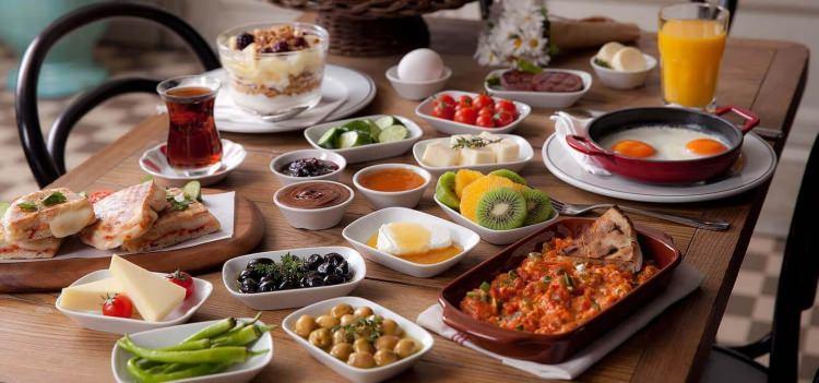 Sağlıklı bir şekilde kilo almak için kahvaltı yapın