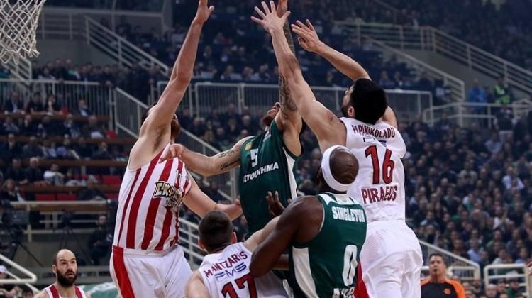 Pana'yı deviren Olympiakos play-off'u garantiledi