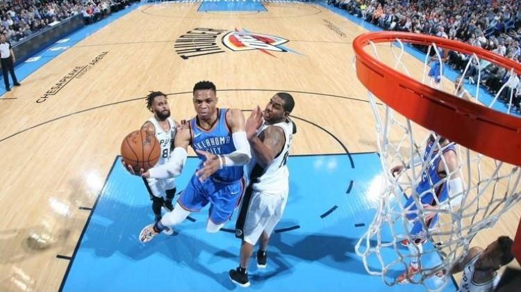 Spurs Westbrook'u durduramadı
