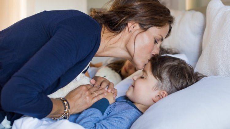 Çocuklar ne zaman tek başına yatmalı?