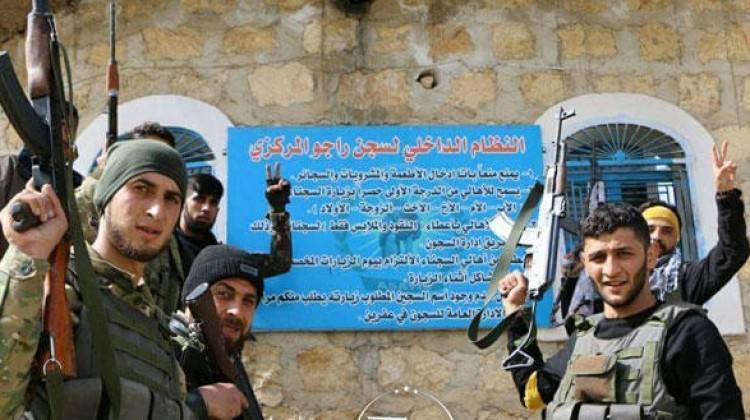 Raco'da YPG her alandan siliniyor
