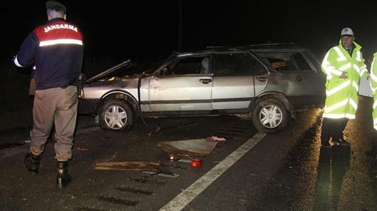 Takla atan araç karşı şeride geçti: 1 ölü