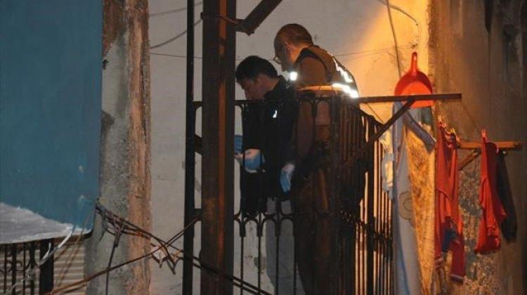 Zehir tacirinin evinden polise ateş açıldı