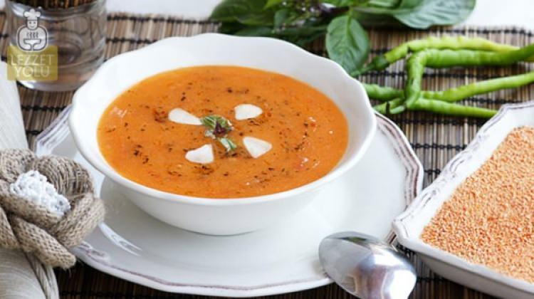 Acukalı tarhana çorbası