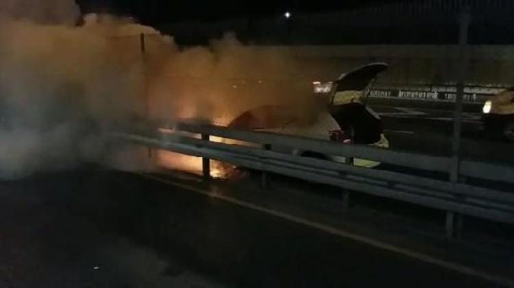 D-100'de araç yangını