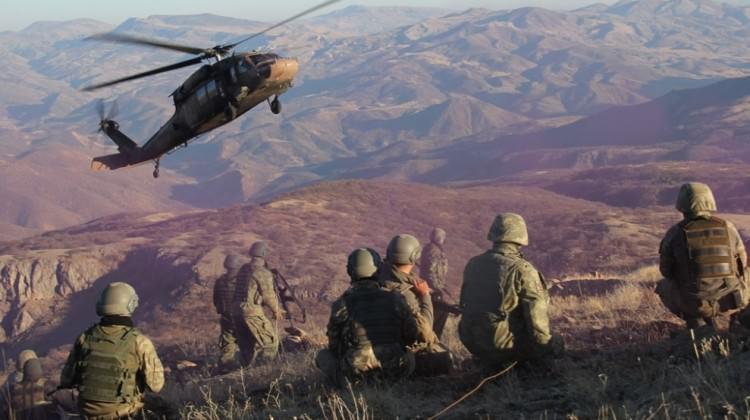 Diyarbakır'da sıcak çatışma: 3 asker şehit!