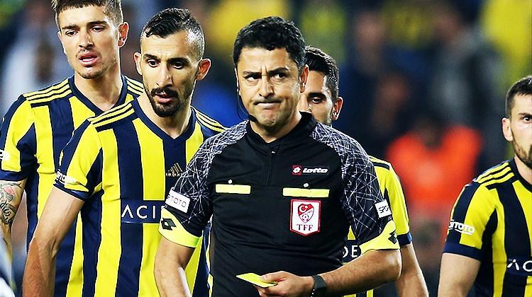 """Büyük isyan! """"Üç penaltı, bir kırmızı kart!"""""""