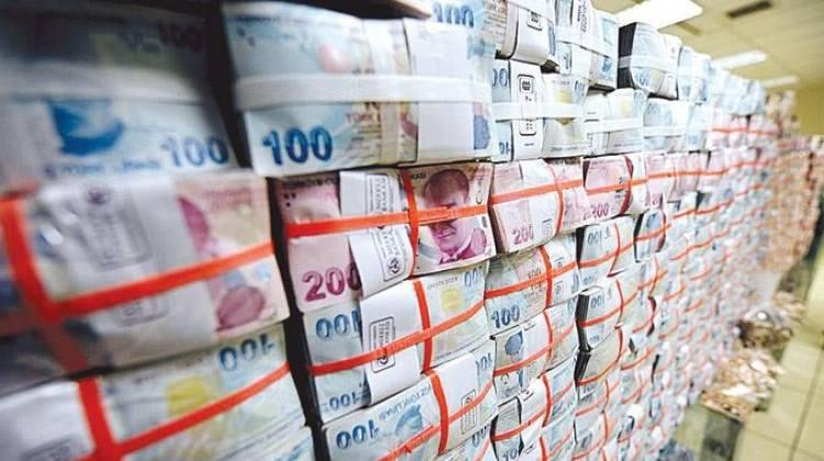 Bütçe kasımda 7.6 milyar TL fazla verdi