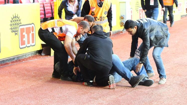 Maç sırasında kalp krizi geçirdi!