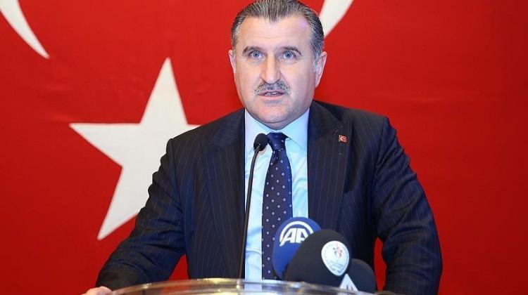 Bak'tan Eczacıbaşı ve Ziraat Bankası'na tebrik