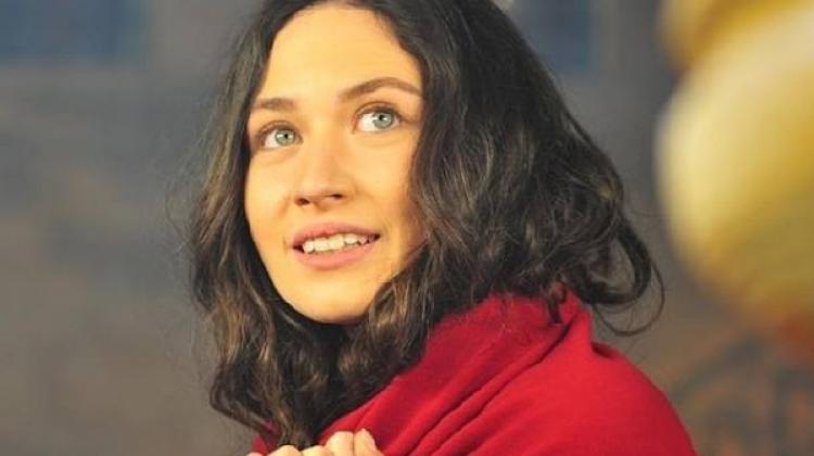 Sen Anlat Karadeniz'in yeni oyuncusu İlayda Çevik kimdir?