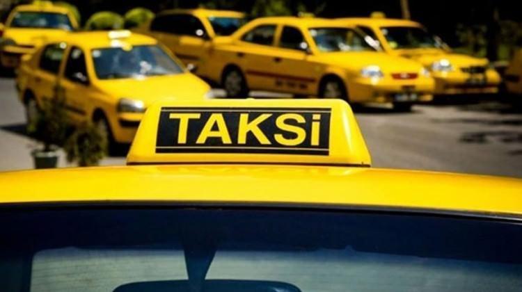 Taksiciler plaka kiralarına indirim istiyor!