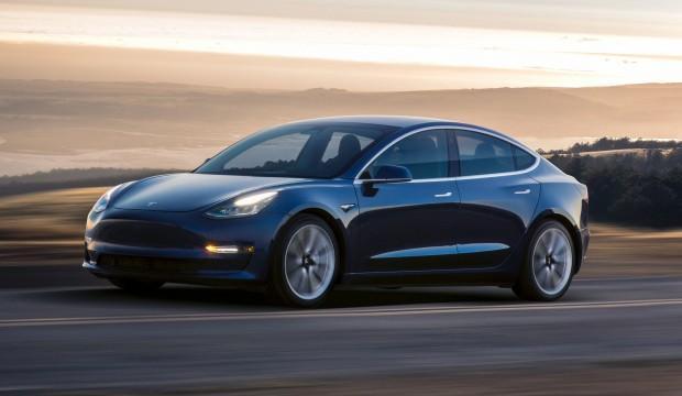 Elon Musk'tan Tesla model 3 itirafı!