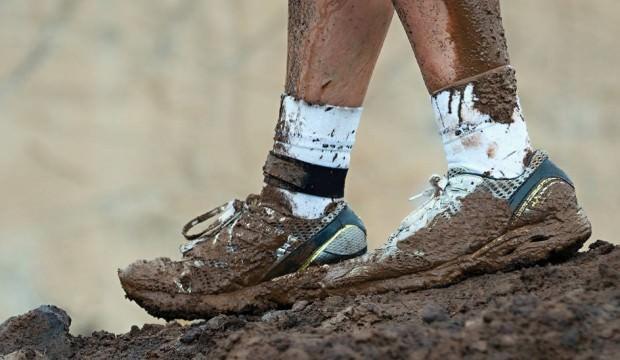 Ayakkabı bağcıkları nasıl temizlenir?