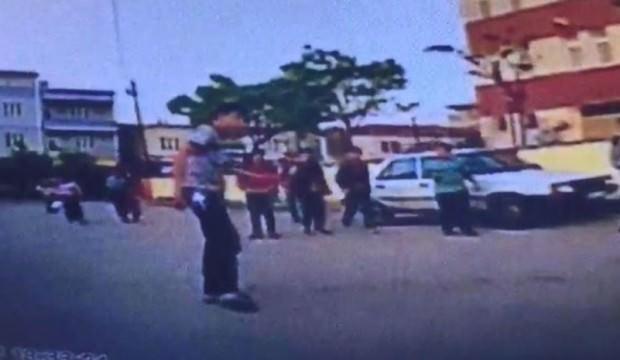 Okul önünde 'omuz atma' kavgası! Bıçakla saldırdı