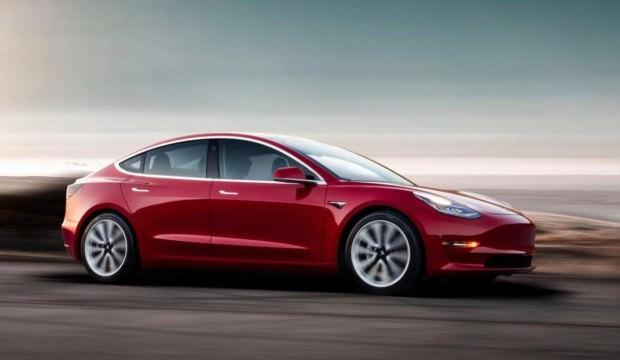 Tesla Model 3 üretimine ara verdi