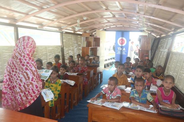 Bangladeş'te Eğitim ve Sağlığa Mobil Katkı