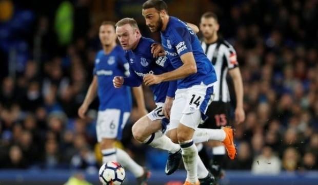 Cenkli Everton tek golle güldü!