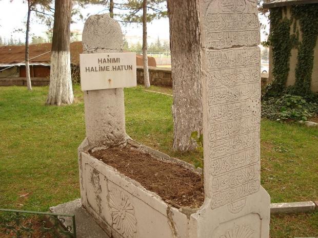 Halime Hatun tarihte nasıl öldü? Diriliş Ertuğrul Halime Hatun'un mezarı...