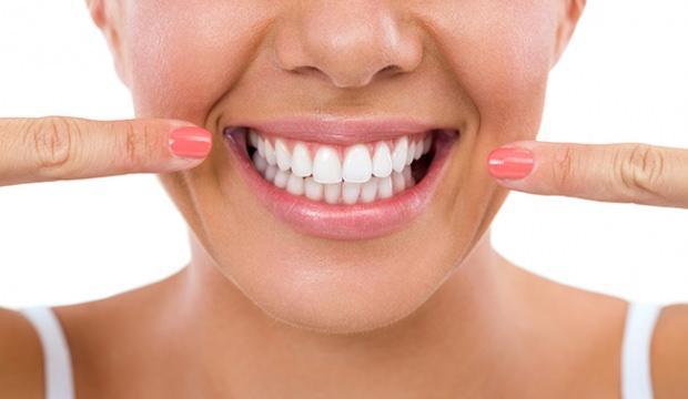 Evde Diş Beyazlatma Yöntemleri Sadece üç Dakikada Bembeyaz Dişler