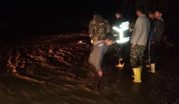 Zergan Deresi taştı, köyü su bastı