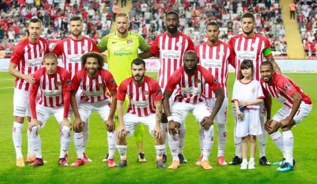 Antalyaspor'da kritik süreç! Tam 10 isim...