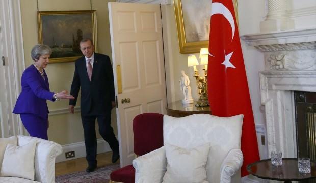 Erdoğan Theresa May ile görüştü