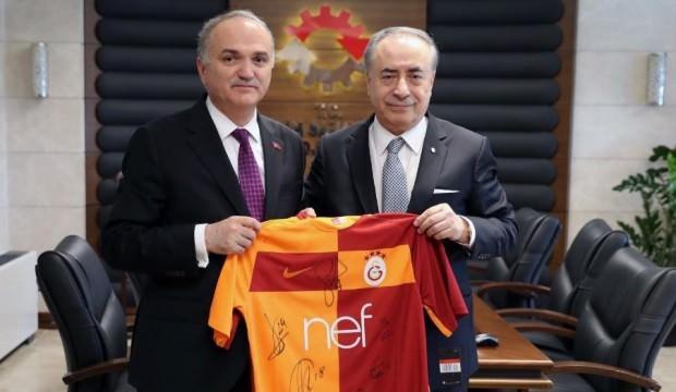 Mustafa Cengiz'den Bakan Özlü'ye ziyaret