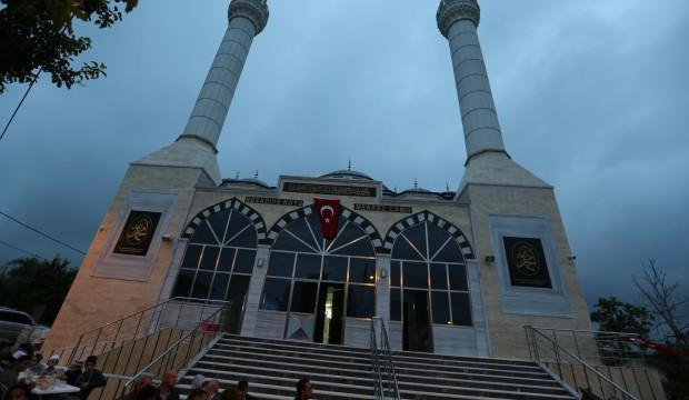 Çekmeköy Reşadiye Merkez Camii ibadete açıldı