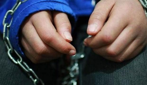 Babadan 11 yaşındaki oğluna zincirli işkence!