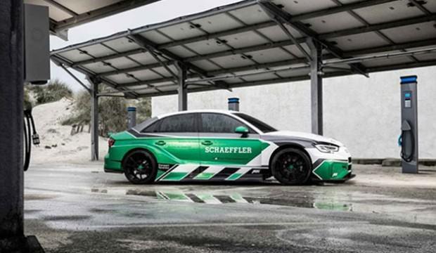 Yeni Audi RS3'e 4 motor takıldı