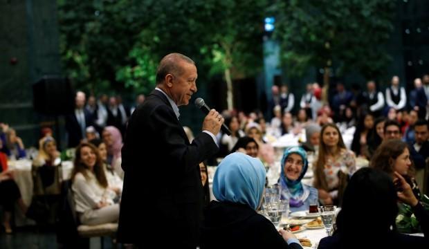 Cumhurbaşkanı Talimat Verdi. Yaz Sezonunda Yurtta Kalan Öğrencilerden Yurt Ücreti Alınmaması Talimatını Verdi