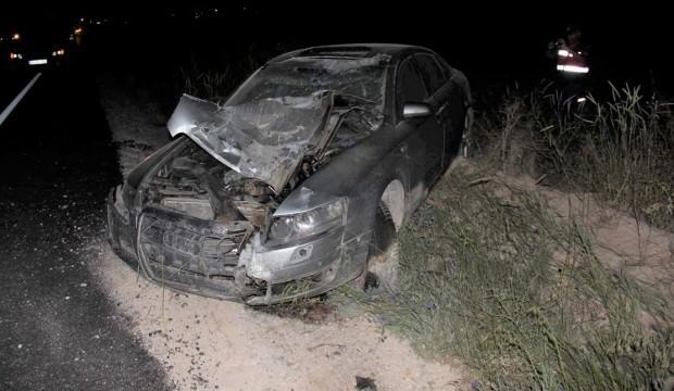 Otomobil motosiklete çarptı: 2 ölü, 4 yaralı