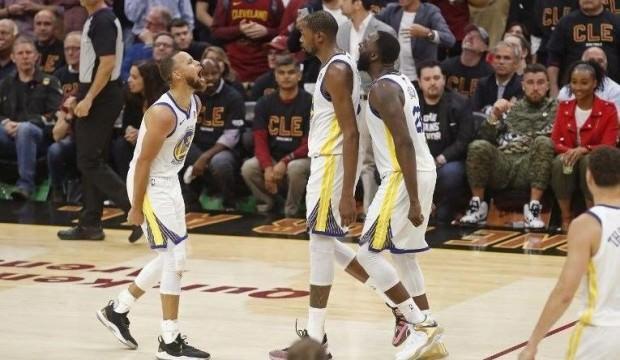 Warriors'dan şampiyonluk yolunda dev adım!
