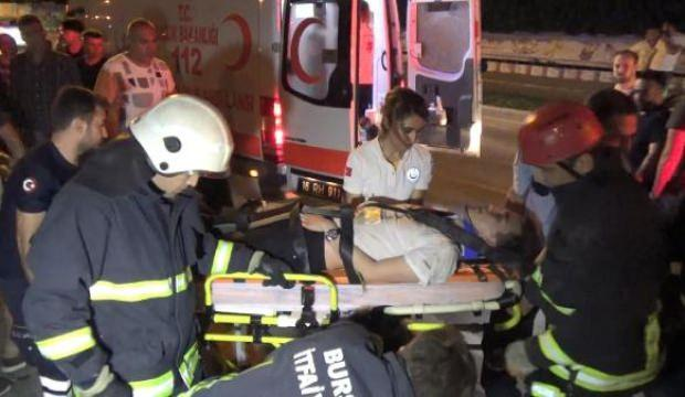 Bursa'da otomobil su kanalına uçtu: 2 yaralı