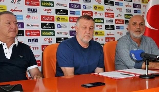 Mesut Bakkal'la imzalar atıldı