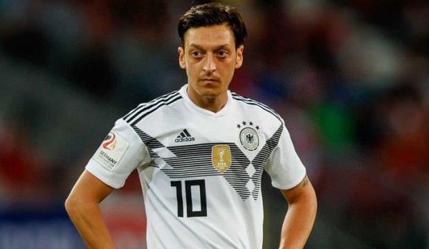 Alman basınının aklı başına geldi! 'Mesut Özil...'