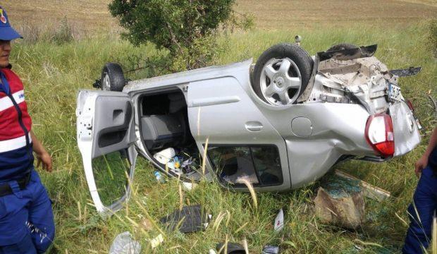 Kütahya'da araç şarampole yuvarlandı: 3 yaralı